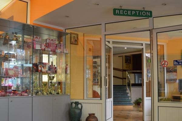 recepcia-hotel-18DEBBBA8-E5A8-8F1B-FCA6-D41F57834351.jpg